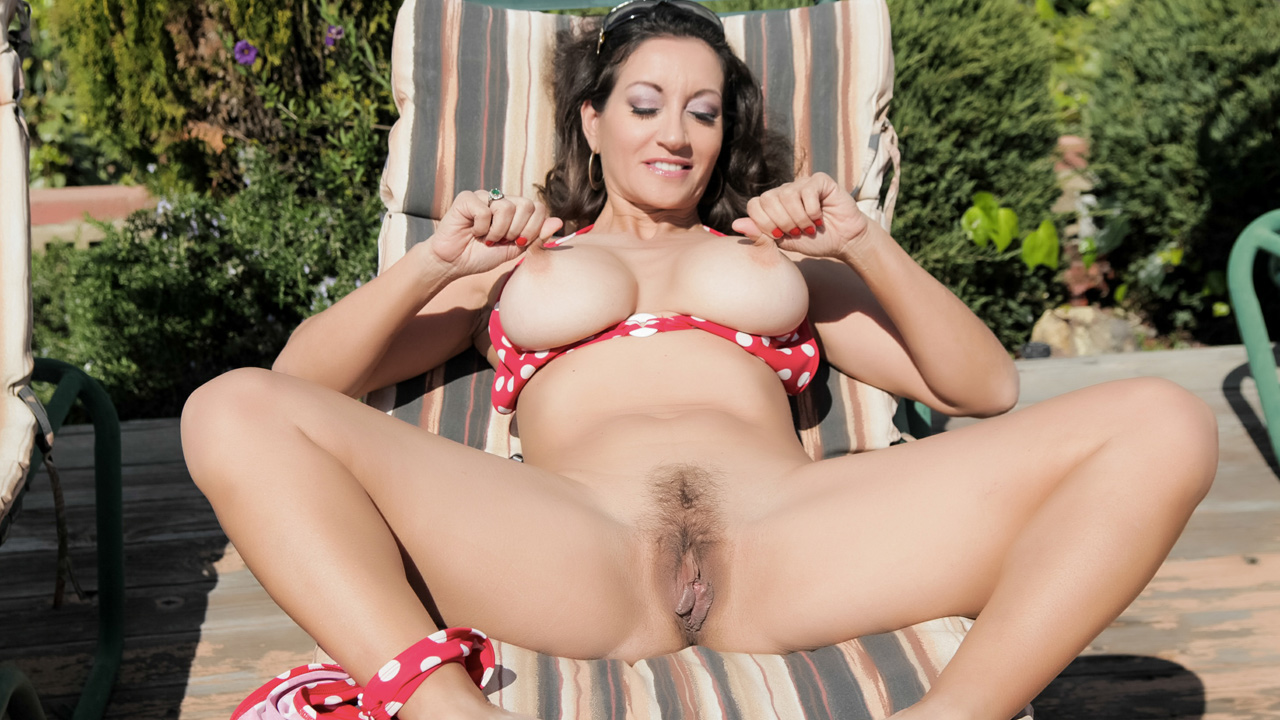 Pretty brunette MILF gets a hard poolside fuck
